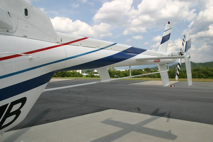 Bell 407, HF Antenna (Towel Bar Style)