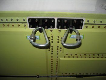 Bell 429, Rappelling Fixture Kit
