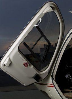 Bell 429, Crew Door Assist Handle